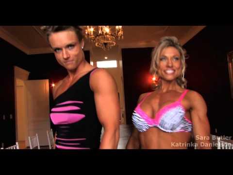 Two Fitness Women compare and measure their big musclesиз YouTube · Длительность: 1 мин22 с