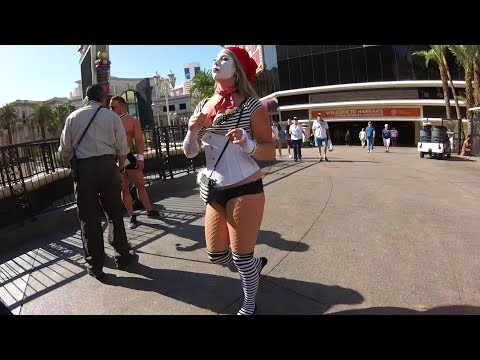 A Tour of the Las Vegas Strip: Craziest Place in America??