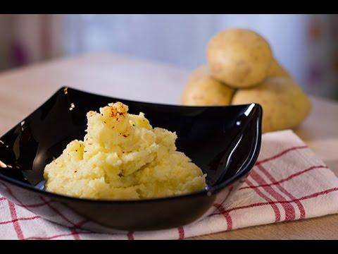Écrasée-de-pommes-de-terre-à-l'huile-d'olive-et-à-l'ail