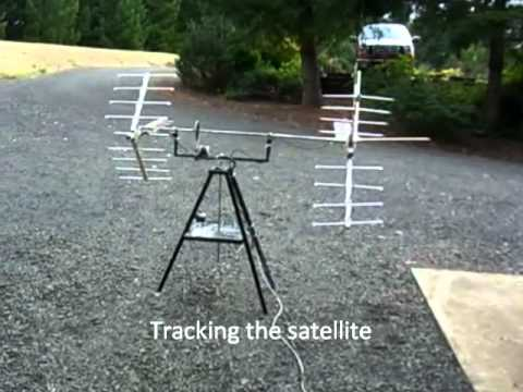 Amateur radio satellite tracking antenna