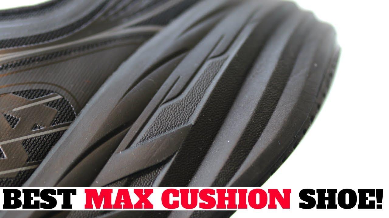INSANE MAX CUSHION SNEAKER WORTH A TRY! HOKA ONE BONDI 7 REVIEW & ON FEET