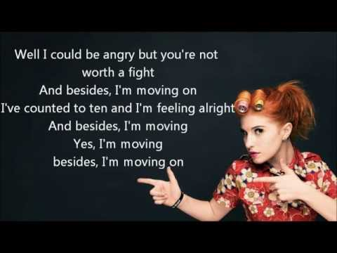 Paramore - Moving on Lyrics