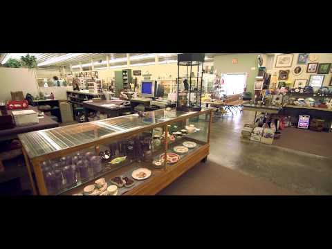 Episode 4 - Leigh Spoth in the Clarence Hollow Antique Mall