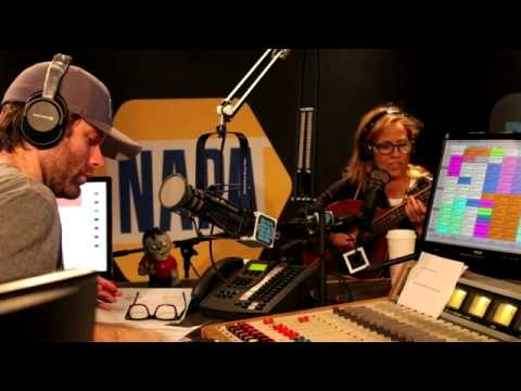 Sheryl Crow Live @ the Bobby Bones Show (Interview + 3 Songs)