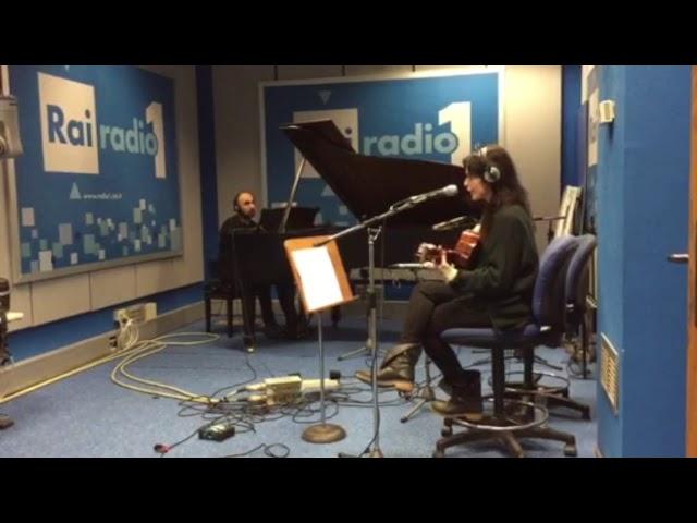 Erica Mou - Meu bem, Meu mal (Caetano Veloso) Live