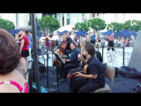 Argentine Tango Dance Downtown @ Music Center, LA July 2010