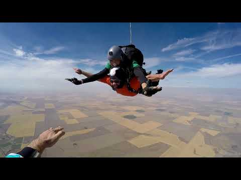 SkyDive West Plains Skunk_Flies