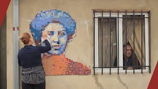 Զաբել Եսայանի դիմանկար-խճանկարը՝ Երևանում