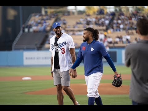 Dodgers video: Anthony Davis throws out first pitch on Lakers Night at Dodger Stadium