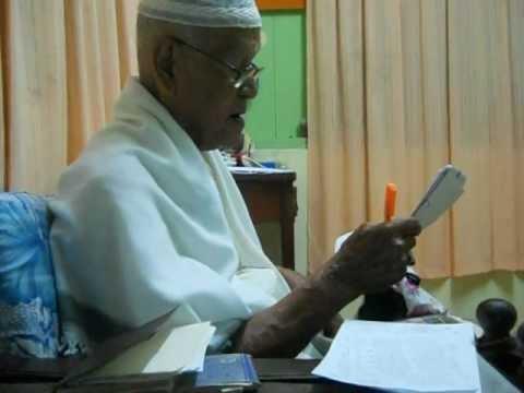 imam berusia 93 menyanyikan nasyid ciptaan nya sendiri.. (bertaqwa kpd Allah) part 3
