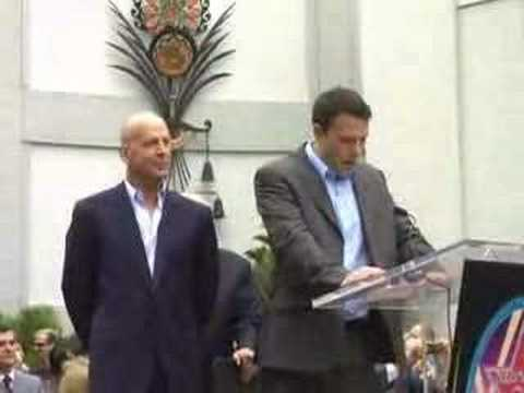 Bruce Willis gets his star At Hollywood