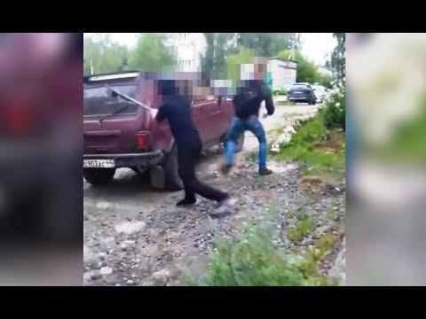 В Мантурове задержали малолетних хулиганов, разгромивших 5 чужих машин