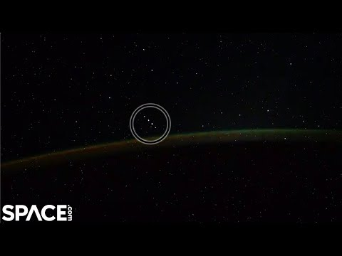 Auroras captured from space station - '5 Objects' seen