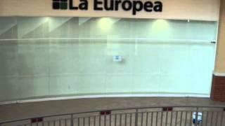 Puerta templada con bisagra hidráulica.(Promocionando la venta de fachadas comerciales y puertas de vidrio claro de 9.5 mm. Templado y una breve demostración de la bisagra hidráulica marca ..., 2012-08-19T01:12:36.000Z)