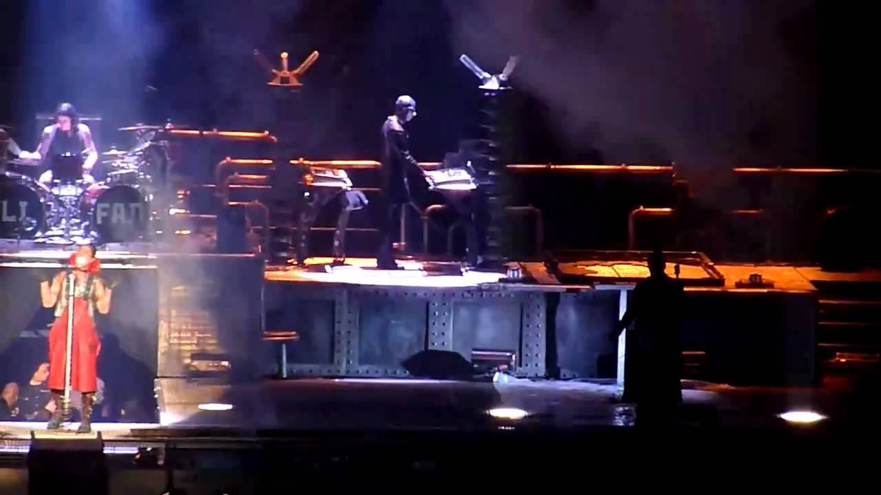 rammstein live in new york 11 12 2010 youtube. Black Bedroom Furniture Sets. Home Design Ideas