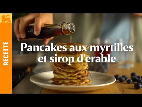 Pancakes aux myrtilles et sirop d'erable