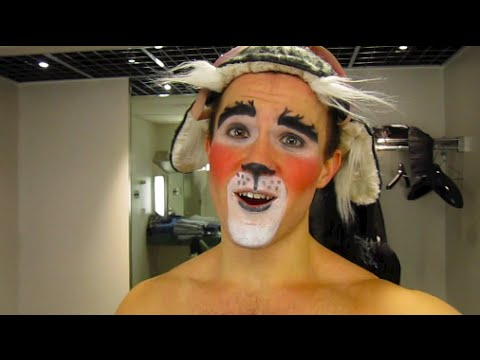 """Puppy Tales: Backstage at """"How The Grinch Stole Christmas"""" with Andreas Wyder, Episode 3"""