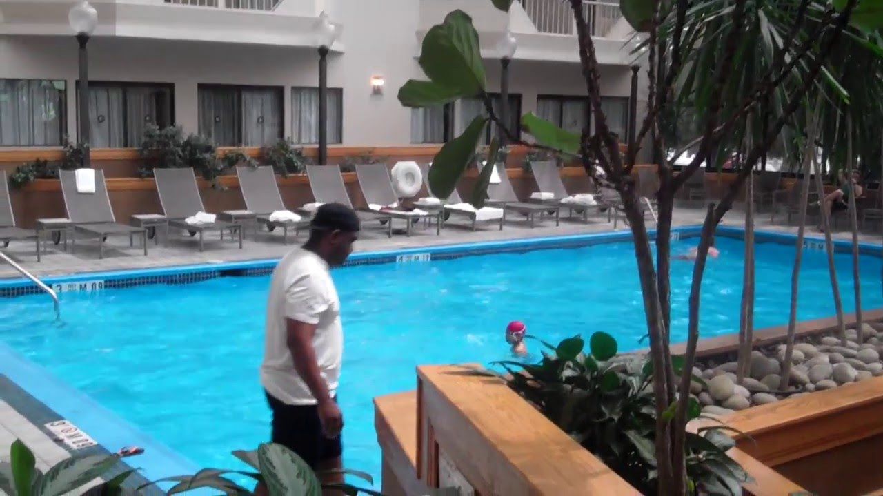 Doubletree By Hilton Hotel Newark Airport Nice Indoor Pool Youtube
