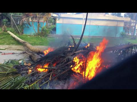 10 Americans caught in a Dominican Republic Riot Receive a Police Escort - Actual Footage