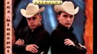 Watch Los Cuates De Sinaloa Regalo Caro video