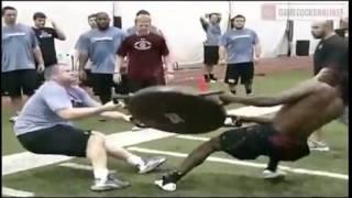 Тренировка Американских футболистов