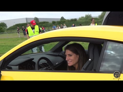 GIRL TEACHES HOW TO DRIVE THE NEW AUDI R8 V10!