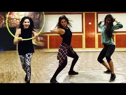 Sunny leone's Desi Dance On Nayak Nahi Khalnayak Hoon Main Song 2017