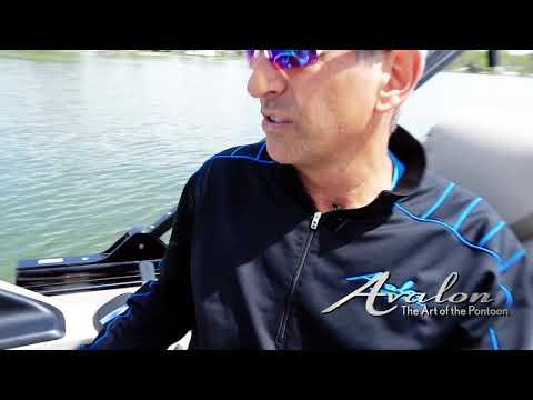 12)Docking Part 1 | 2017 Avalon Luxury Pontoons