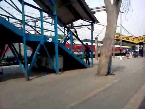 First run of 12398 NDLS-GAYA Mahabodhi Express in pure LHB.