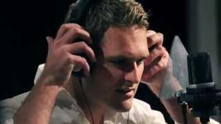 Gert Loubser [GOOI JOU WORRIES OOR JOU SKOUER] (amptelike musiekvideo)
