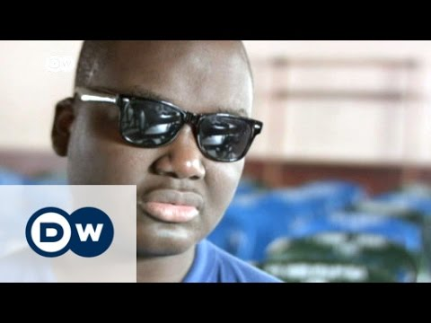 Cameroon: Movie screenings for the blind | DW News