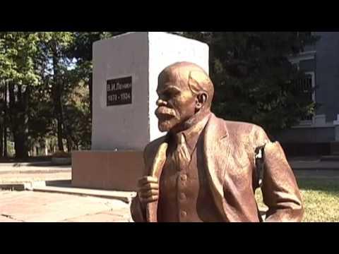 One More Lenin Toppled: Lenin statue has fallen in city near Kharkiv