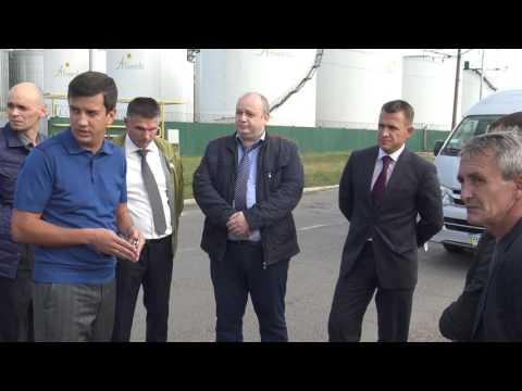 Начальник Лиманского РОВД Денис Деменюк на месте незаконной установки дорожного ограждения