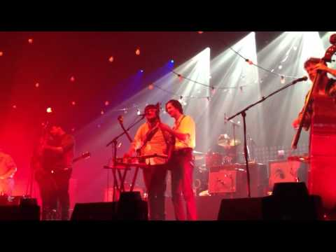 Mumford & Sons feat. Dawes - Awake my soul (Carlisle)
