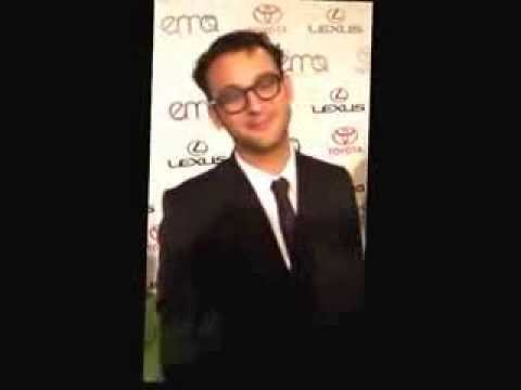 exclusive-interview-with-josh-fox-with-seth-leitman-the-green-living-guy-at-the-ema-awards-2010