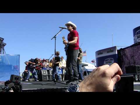 Brad Paisley - Water at Daytona 500 - 2011