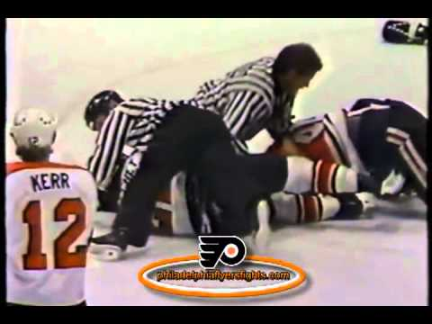 018 Nov 3, 1990 Mike Peluso vs Rick Tocchet Chicago Blackhawks vs Philadelphia Flyers NHL