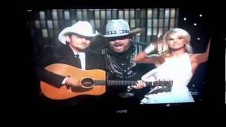 Brad Paisley and Carrie Underwood 2011 CMA