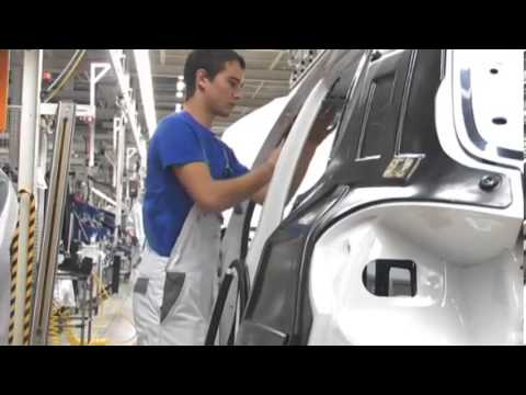 Завод по производству двигателей Volkswagen Group Rus в Калуге .