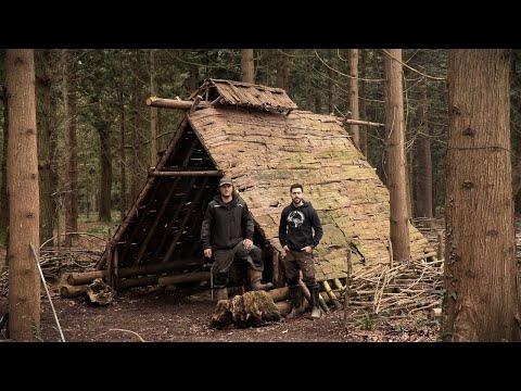 Viking House: Overnight Bushcraft Camp in the Viking Sheter