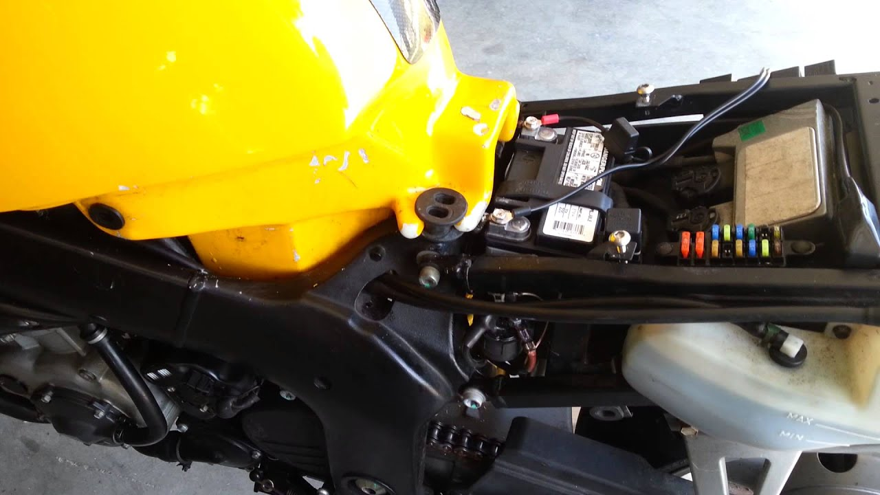 Triumph Daytona 955i Fuse Box 29 Wiring Diagram Images Start Switch Forum Rat Motorcycle Forums 2000 Sprint Rs Starting Problem Youtube Maxresdefault