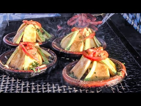 Street Food of Marrakech. Moroccan Tajine, Msemmen and More, Jemaa el-Fna