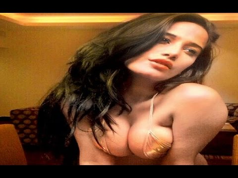 Online Actor Hunt | Poonam Pandey Searching her Hero | Next Movie 'Helen'