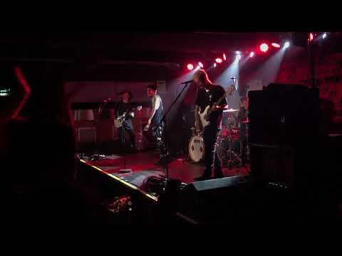Crown The Empire - what i am (Live At Manchester Academy)