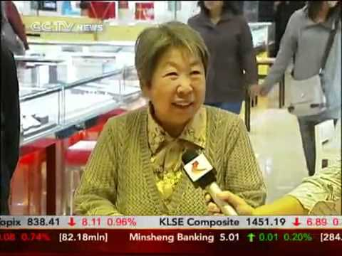 Chinese consumers rushing to buy gold in China even at record high price