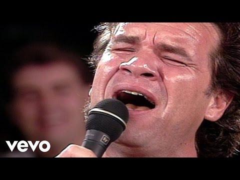 Bill & Gloria Gaither - Farther Along [Live] ft. Russ Taff