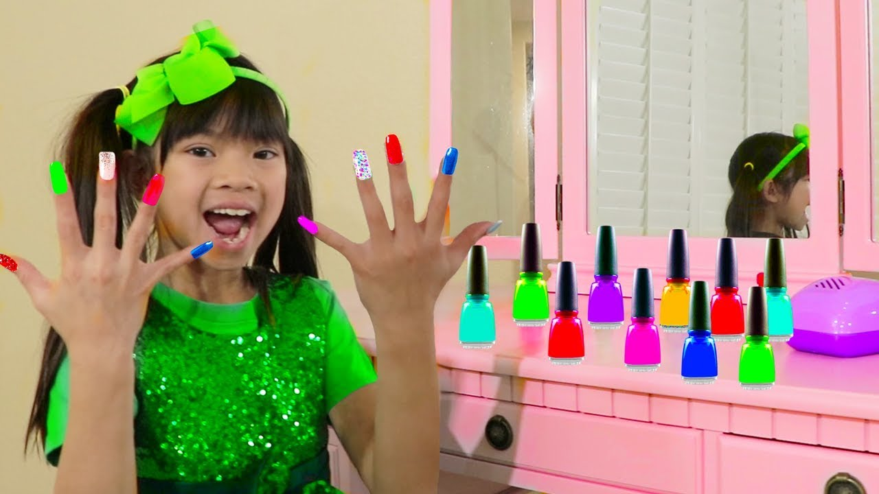 Emma Pretend Play W Colorful Nail Polish Salon Toys For