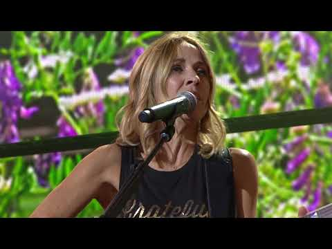 Sheryl Crow -  Everyday Is a Winding Road (Live at Farm Aid 2017)