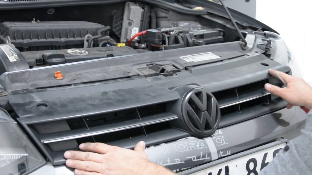 Vw Polo 6r Grill And Vw Emblem Removal Youtube