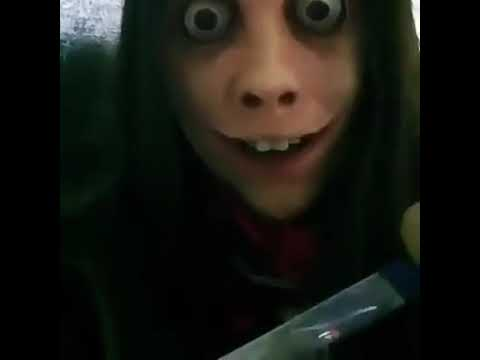Momo mostra a faca - YouTube